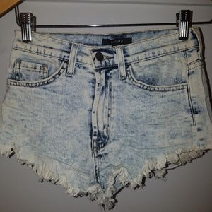 Forever 21 High-Waisted Acid Wash Cut-Off Shorts